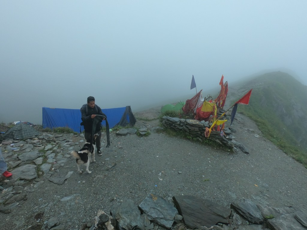 kali ghati top during shrikhand mahadev trek