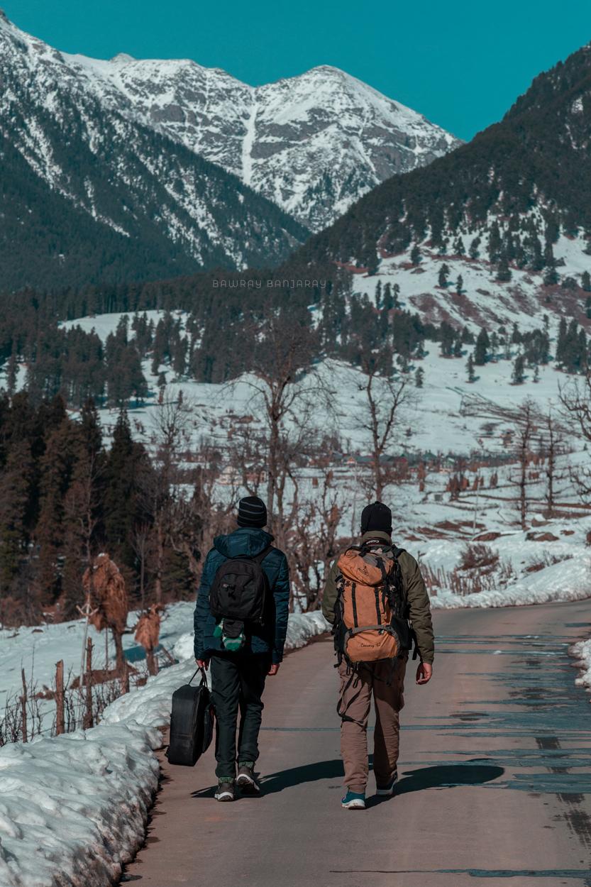 Jobless wanderers in Gulmarg