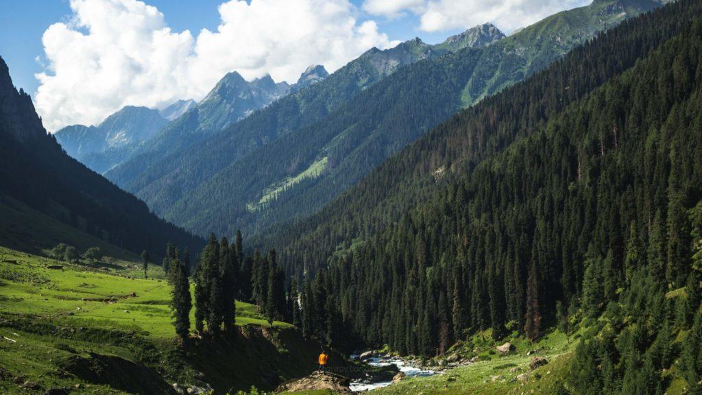 Lidderwat is a picturesque valley ahead of Aru Valley